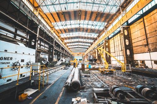 Nuovo patto sociale e investimenti per il lavoro- di Roberto Pertile