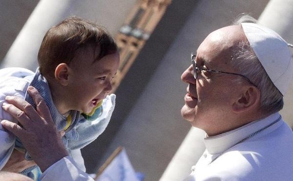 Eutanasia: associazioni, Papa Francesco taglia strada a ipocrite scorciatoie